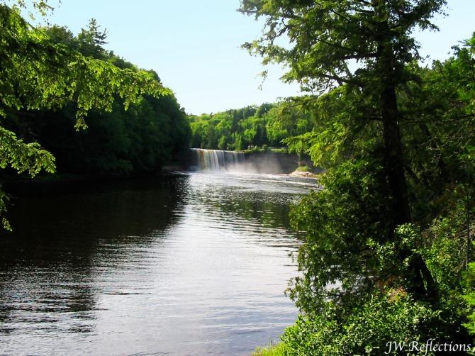 tahquamenon-falls-mi